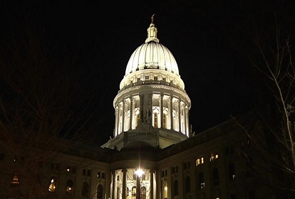 capitol-night-wisc