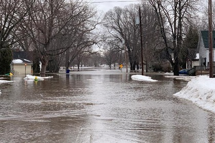 flooding-east-river-gb